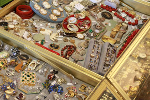 Attensons Antiques and Books Jewelry